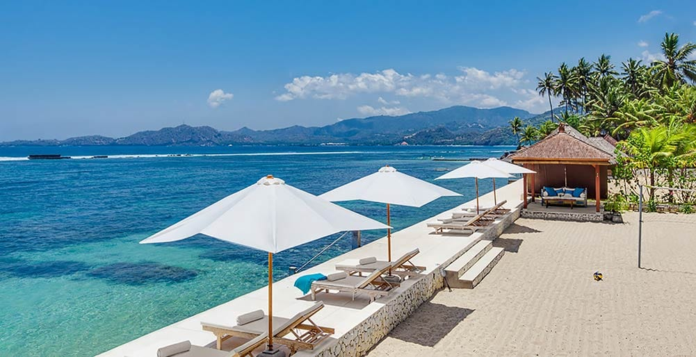 Tirta-Nila-Private-beach-and-ocean-deck.jpg